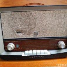 Radios de válvulas: RADIO FHILIPS ANTIGUA TIPO B4E82A. Lote 146799566