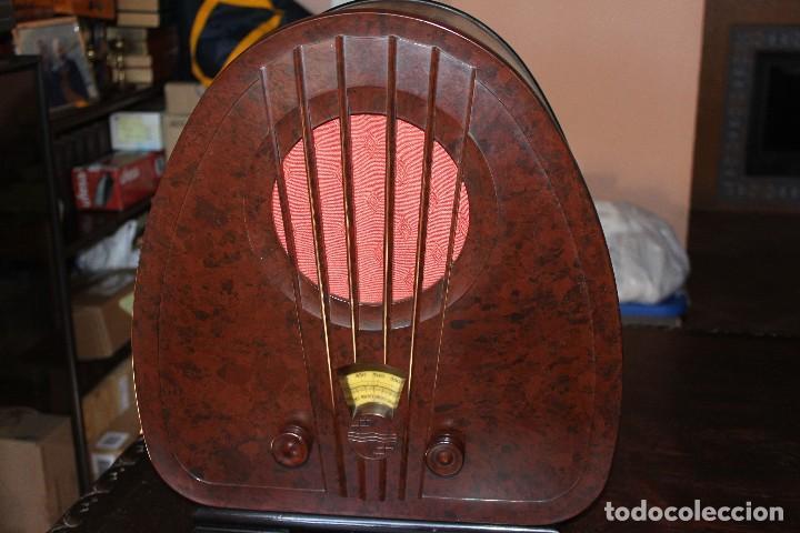 RADIO PHILIPS DE CAPILLA AÑOS 30 DEL SIGLO PASADO (Radios, Gramófonos, Grabadoras y Otros - Radios de Válvulas)