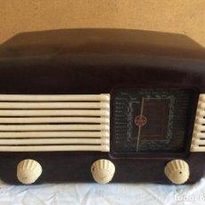 Radios de válvulas: ANTIGUA RADIO TALISMAN 306,CAJA EN BAQUELITA-IDEAL COLECCIONISTAS . Lote 147168102