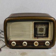 Radios de válvulas: MOD.354 RADIODINA AZNARAEZ PEDRO - ZARAGOZA. Lote 147282378