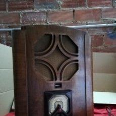 Radios de válvulas: IMPRESIONANTE RADIO DE CAPILLA PHILIPS IMPECABLE. Lote 147479114