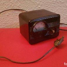 Radios de válvulas: ANTIGUO ELEVADOR REDUCTOR TRANSFORMADOS ANTIGUO VOLTIMETRO VOLTAJE RADIO VALVULAS ALCER BAQUELITA. Lote 147758630