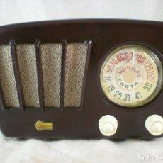 Radios de válvulas: PEQUEÑA RADIO YONDER - REKO S.L. - 125V - BAQUELITA - FUNCIONA. Lote 147900334