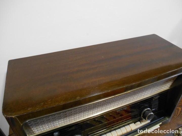 Radios de válvulas: Antiguo Radio de válvulas original, GRAETZ, MELODIA 419, funcionando gran sonido. - Foto 5 - 148099182