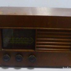 Radios de válvulas: ANTIGUA RADIO DE VALVULA. MARCA NOBLE. AÑOS 30-40. CAJA DE MADERA. FUNCIONA. A 220W. VER. Lote 148904662