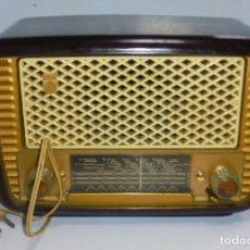Radios de válvulas: ANTIGUA RADIO. MARCA PHILIPS MODELO BR-241-U. FUNCIONA PERFECTAMENTE. 110 - 127 V. 29 X 15CM. VER. Lote 148907042