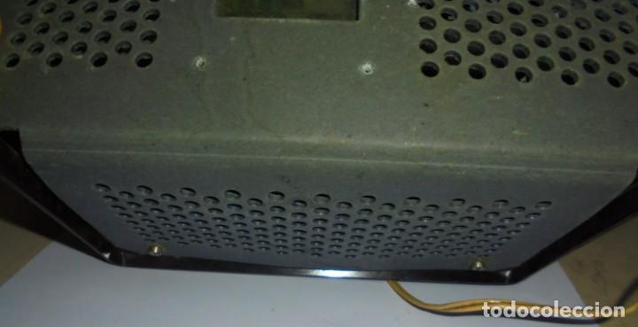 Radios de válvulas: ANTIGUA RADIO. MARCA PHILIPS MODELO BR-241-U. FUNCIONA PERFECTAMENTE. 110 - 127 V. 29 X 15CM. VER - Foto 11 - 148907042