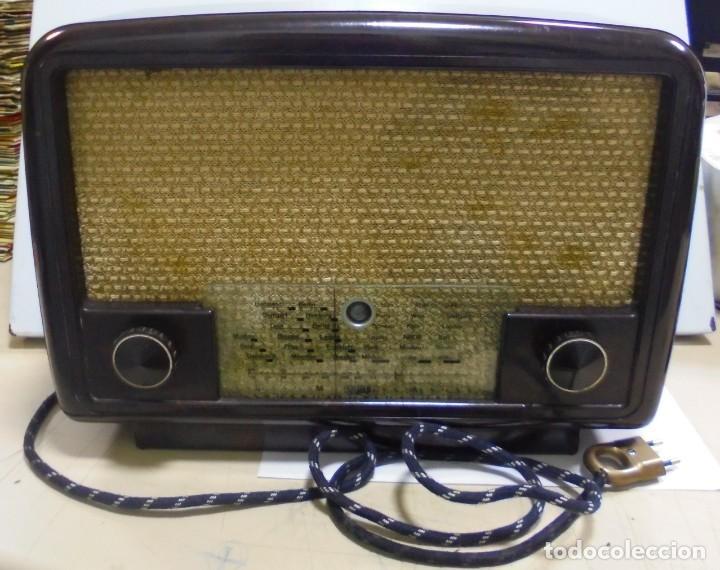 ANTIGUA RADIO. R-F-T EINKREISEMPFÄNGER. MODELO 1U 11. FUNCIONA. 220 V. RADIO BERLIN. 38 X 28CM. VER (Radios, Gramófonos, Grabadoras y Otros - Radios de Válvulas)