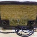 Radios de válvulas: ANTIGUA RADIO. R-F-T EINKREISEMPFÄNGER. MODELO 1U 11. FUNCIONA. 220 V. RADIO BERLIN. 38 X 28CM. VER. Lote 148912982
