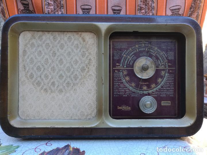 RADIO INVICTA 330. MUEBLE MADERA. PRECIOSA. (VER FOTOS) (Radios, Gramófonos, Grabadoras y Otros - Radios de Válvulas)