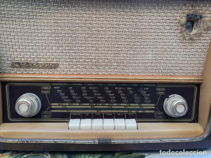 Radios de válvulas: RADIO INVICTA 6447. MUEBLE MADERA. PRECIOSA. (VER FOTOS) - Foto 4 - 149543218
