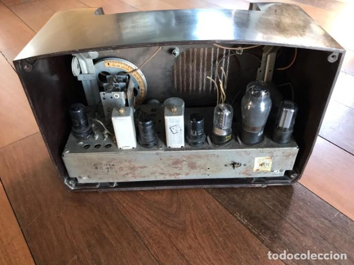 Radios de válvulas: RADIO RCA VICTOR AMERICANA. MODELO Q 122. 65 WATIOS. PARA RESTAURAR O ADORNO. - Foto 2 - 149552638