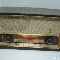Radios de válvulas: RADIO GRUNDIG (1960) - FUNCIONANDO MUY BIEN - CON FM - OJO MÁGICO - VER VIDEO. Lote 149645266
