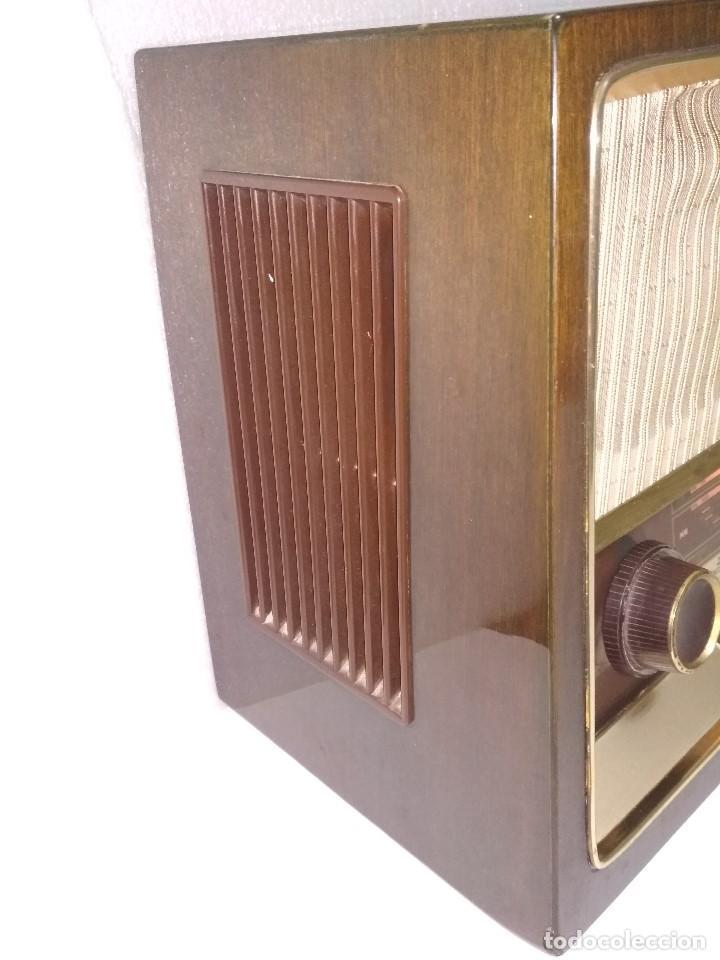 Radios de válvulas: RADIO GRUNDIG (1960) - FUNCIONANDO MUY BIEN - CON FM - OJO MÁGICO - VER VIDEO - Foto 2 - 149645266