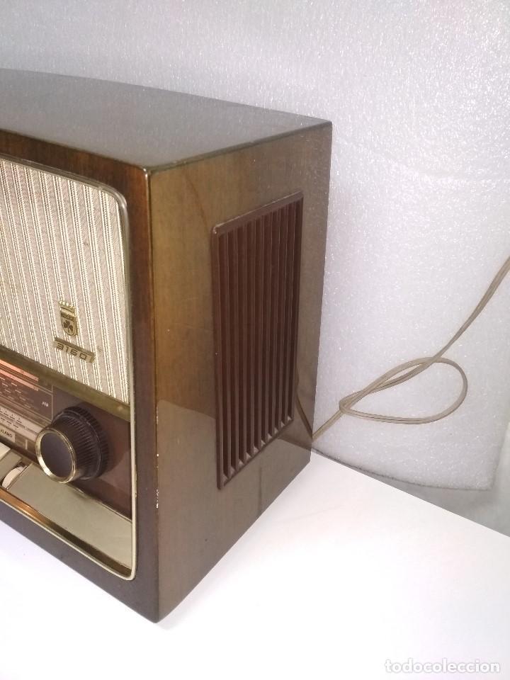 Radios de válvulas: RADIO GRUNDIG (1960) - FUNCIONANDO MUY BIEN - CON FM - OJO MÁGICO - VER VIDEO - Foto 3 - 149645266