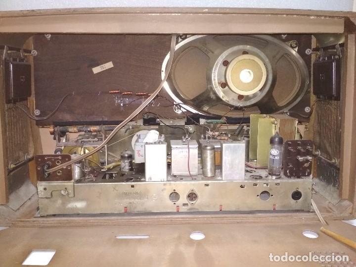Radios de válvulas: RADIO GRUNDIG (1960) - FUNCIONANDO MUY BIEN - CON FM - OJO MÁGICO - VER VIDEO - Foto 10 - 149645266
