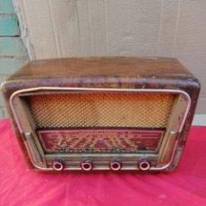 Radios de válvulas: ANTIGUA RADIO DE VÁLVULAS. Lote 151103317