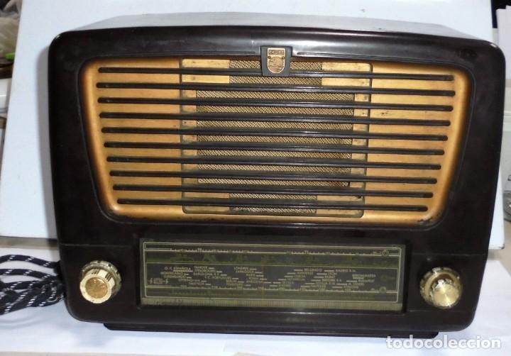 ANTIGUA RADIO. MARCA PHILIPS. TIPO BE-341-A. 40 W. FUNCIONA. VER FOTOS (Radios, Gramófonos, Grabadoras y Otros - Radios de Válvulas)