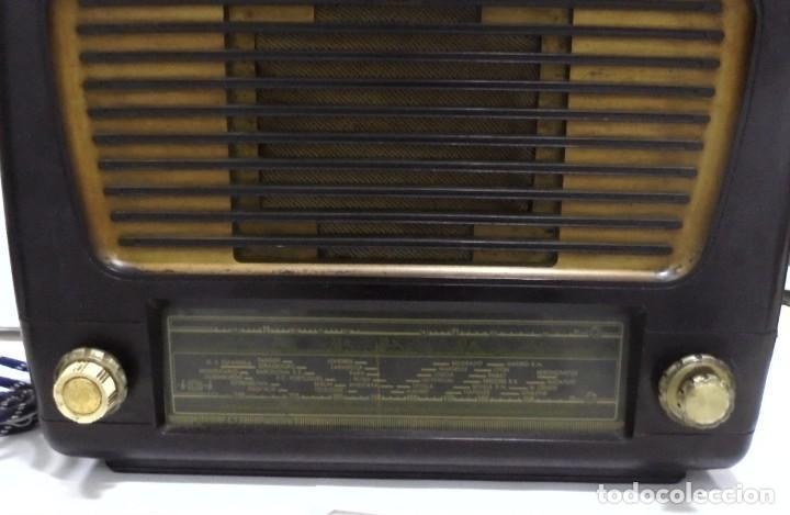 Radios de válvulas: ANTIGUA RADIO. MARCA PHILIPS. TIPO BE-341-A. 40 W. FUNCIONA. VER FOTOS - Foto 4 - 151705198