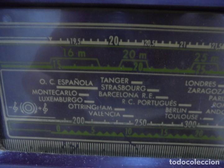 Radios de válvulas: ANTIGUA RADIO. MARCA PHILIPS. TIPO BE-341-A. 40 W. FUNCIONA. VER FOTOS - Foto 6 - 151705198