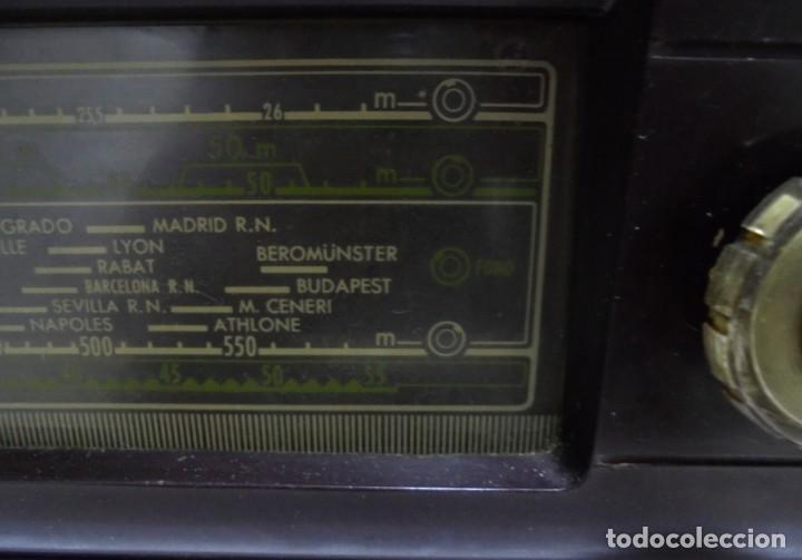 Radios de válvulas: ANTIGUA RADIO. MARCA PHILIPS. TIPO BE-341-A. 40 W. FUNCIONA. VER FOTOS - Foto 8 - 151705198