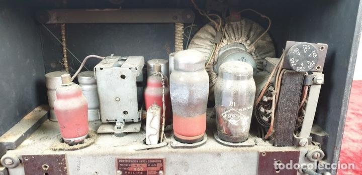 Radios de válvulas: RADIO A VALVULAS. SINTONIZADOR PHILIPS MODELO 49-A. ESPAÑA. CIRCA 1940. - Foto 11 - 151705878