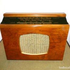 Radios de válvulas: ANTIGUA RADIO VÁLVULAS ¨FERRANTI¨ MOD. 555, AÑOS 50, ORIGINAL, FUNCIONANDO.. Lote 151836110