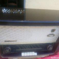 Radios de válvulas: INCREÍBLE RADIO GRUNDIG, FUNCIONA. Lote 152279985