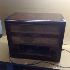 Radios de válvulas - Radio marco de madera. Mide en cms(53x31x43). No funciona - 152882914