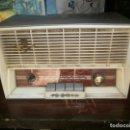 Radios de válvulas: ANTIGUA RADIO IBERIA MODELO AB-1053 ALTURA 16 CM. ANCHO 26 X 13 CM. NO FUNCIONA. Lote 153056474