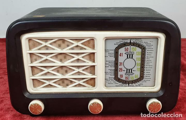 RADIO RECEPTOR A VÁLVULAS. CARCASA DE BAQUELITA. SIN MARCA. CIRCA 1930. (Radios, Gramófonos, Grabadoras y Otros - Radios de Válvulas)