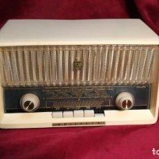 Rádios de válvulas: PHILIPS PHILETTA B2D33A, EXCELENTE Y FUNCIONANDO AÑO 1963. Lote 175476073
