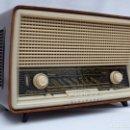 Radios de válvulas: ANTIGUA RADIO DE VÁLVULAS MARCA BLAUPUNKT, FUNCIONANDO, MUY BUEN ESTADO ESTÉTICO,(VER FOTOS Y VÍDEO). Lote 157017550