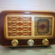 Radios de válvulas: PEQUEÑA RADIO DE VÁLVULA. Lote 155363905