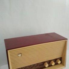 Radios de válvulas: RADIO ANTIGUA DE VÁLVULAS MARCA INVICTA 5368. Lote 155507842