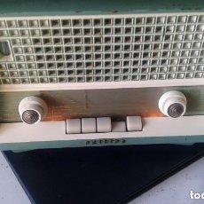 Radios de válvulas: RADIO ALEMÁN DE DE LUJO CON OJO MÁGICO PHILIPS B2 94A AÑO 1959/60 FUNCIONANDO MUY BIEN. Lote 155510390