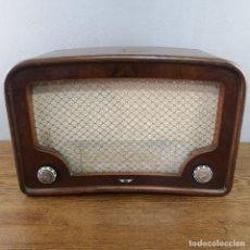 Radios de válvulas: PRECIOSA RADIO ANTIGUA FABRICADA POR AEESA ( ANGLO ESPAÑOLA DE ELECTRICIDAD) MODELO LEO? 1948 . Lote 155726782
