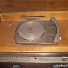 Radios de válvulas: RADIO TOCADISCOS 1960 MARCA IBERIA MODELO N-824 6 VALVULAS. Lote 139734994