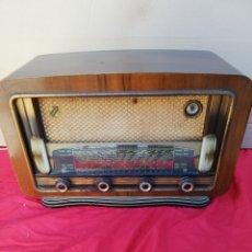 Radios de válvulas: ANTIGUA RADIO DE VÁLVULAS SONAPHONE PARÍS IMPECABLE. Lote 156496298