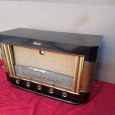 Radios de válvulas: IMPECABLE RADIO DE VÁLVULAS EAR OJO MÁGICO. Lote 156499120