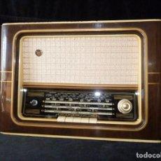 Radios de válvulas: ANTIGUA RADIO JUVENTUS MOD. 240-6-5-T DE 5 VÁLVULAS. 45,5X32X21 CM. AÑOS 60. NO FUNCIONA. ESCASA. Lote 159015986