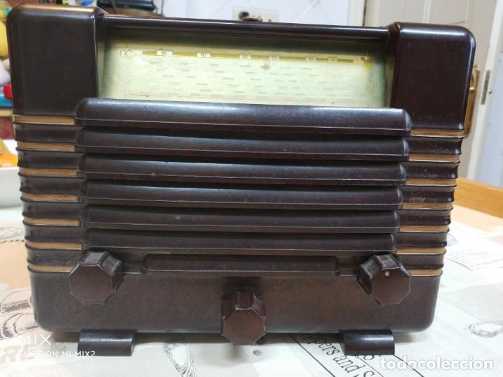 PHILIPS RADIO ANTIGUA ORIGINAL DE BAKELITA (Radios, Gramófonos, Grabadoras y Otros - Radios de Válvulas)