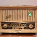 Radios de válvulas: RADIO ANTIGUA TELEFUNKEN JUBILATE. COMPLETAMENTE REVISADA. 12 MESES DE GARANTIA. VER VIDEO. Lote 159470638