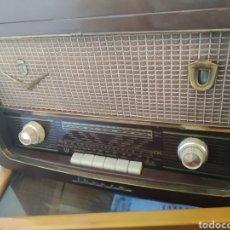 Radios de válvulas: RADIO TOCADISCOS IBERIA. Lote 159471741
