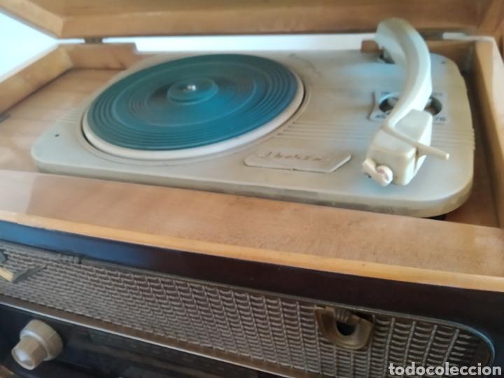 Radios de válvulas: Radio tocadiscos Iberia - Foto 3 - 159471741