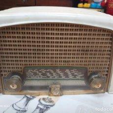 Radios de válvulas: RADIO PHILIPS FK 415 68 BAKELITA NUEVA/FUNCIONANDO. Lote 159479126