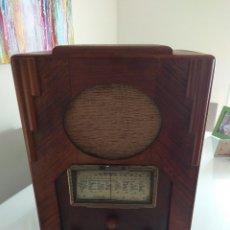 Radios de válvulas: RADIO CAPILLA FRANCESA AÑOS 30. Lote 148658654