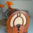 Radios de válvulas: RADIO CAPILLA PHILCO 80. Lote 159882542