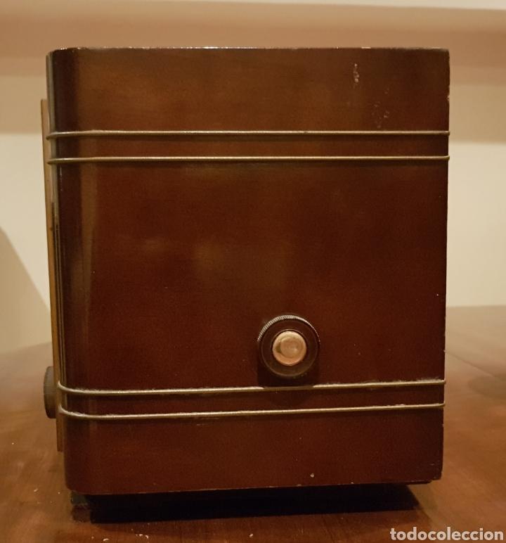 Radios de válvulas: RADIO DE VALVULAS CLARVILLE. Años 1950~ - Foto 3 - 160312749
