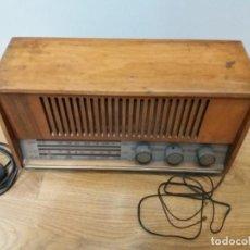 Radios de válvulas: ANTIGUA RADIO MUNDIAL. MODELO NORDIC L- 36. 6 VÁLVULAS. MADERA. AM FM. FABRICACIÓN ESPAÑOLA.. Lote 160810462